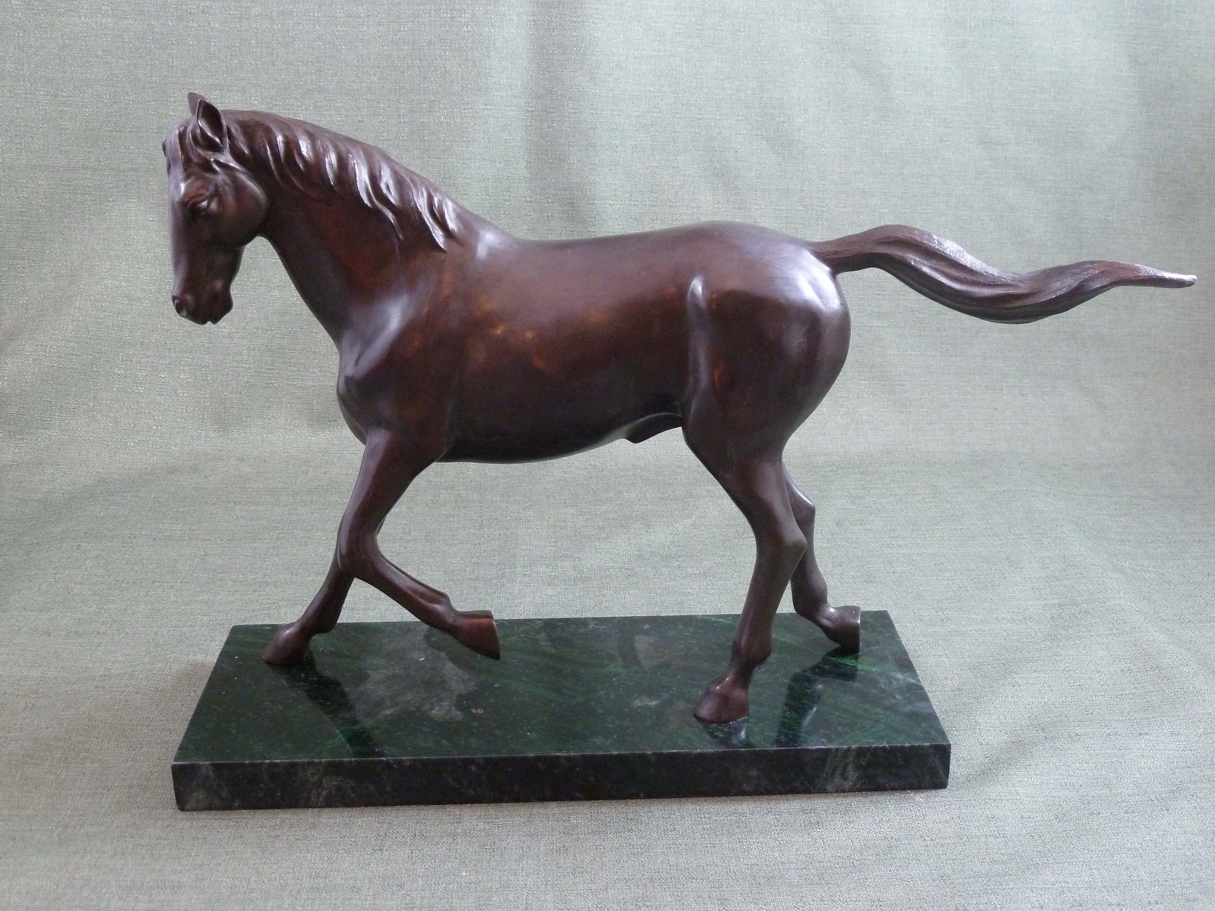 FC1117 Trotting Horse L