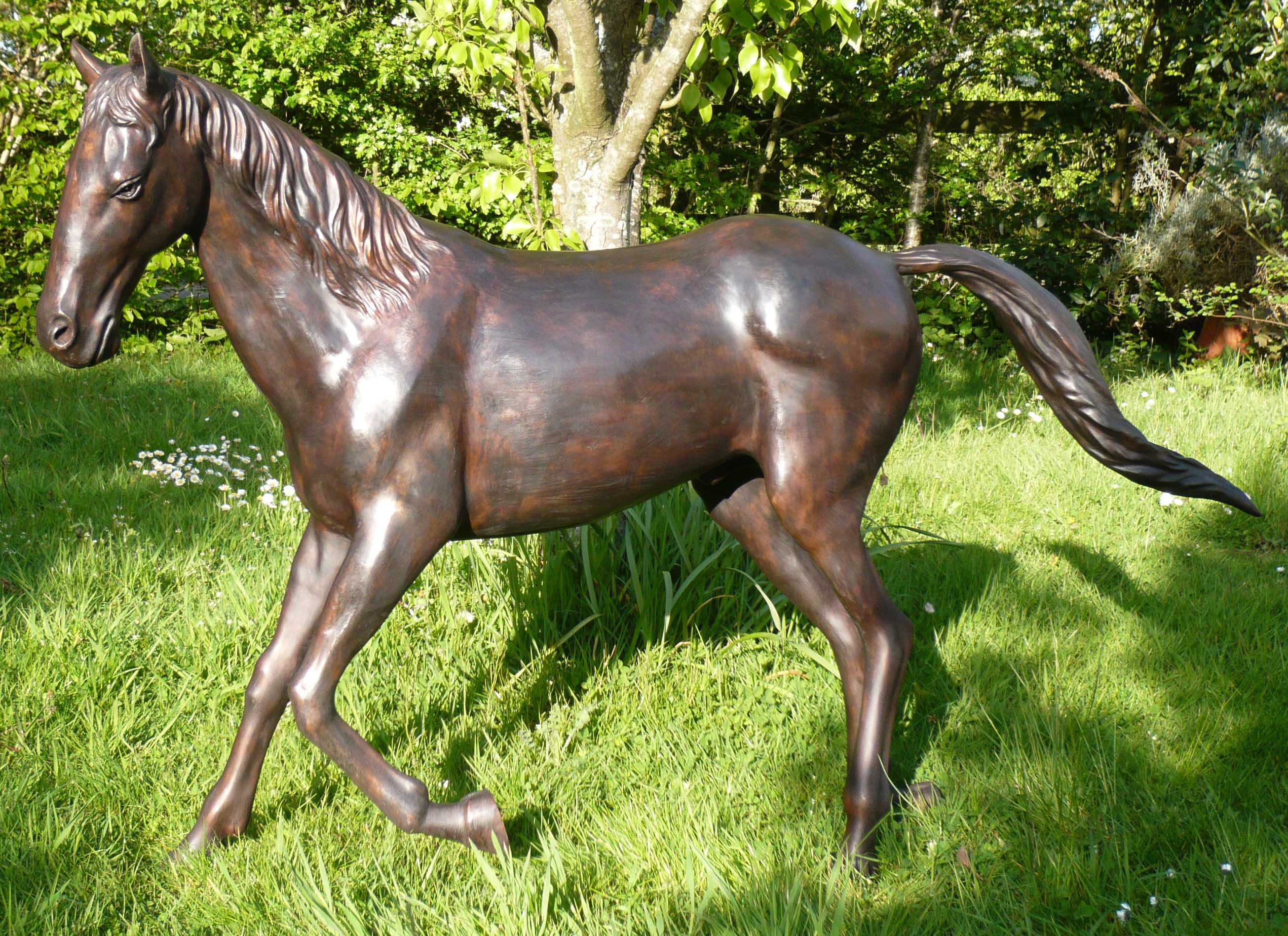 FC1117L Trotting Horse